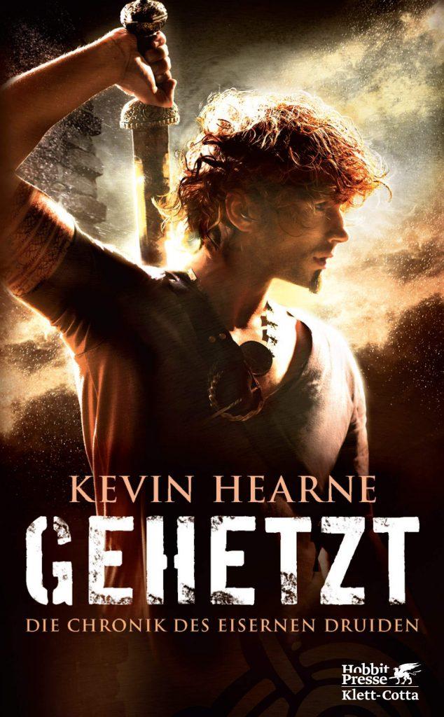 """Cover des Buches """"Gehetzt"""" von Kevin Hearne"""